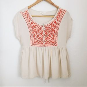 Tops - Boho embroidered flowy top